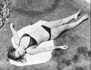 Черно-белое фото с Орнеллой Мути