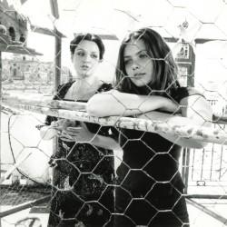 Дом голубей - Черно-белая фотография из фильма