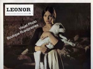 Орнелла Мути с овечкой в руках