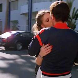 Поцелуй Орнеллы Мути и Рэя Шарки