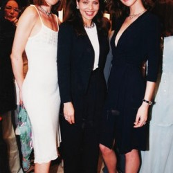 Карла Бруни, Орнелла Мути и Ева Герцигова на Каннском кинофестивале 1998