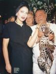 Орнелла Мути гладит леопарда