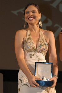 Ornella Muti receiving the « the Taormina Arte Award for Cinematic Excellence » 16-23 июля 2007