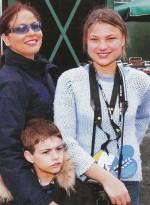 С дочерью Каролиной и внуком