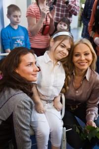 Елена Север, пациентка клиники и Орнелла Мути