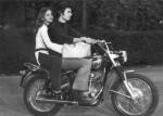 Орнелла Мути и Франко Гаспарри на мотоцикле
