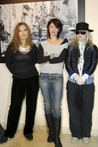 Asia Argento (C), Italian actress Ornella Muti (L) and US writer J.T. LeRoy