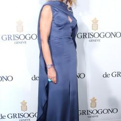 Орнелла Мути в роскошном синем платье