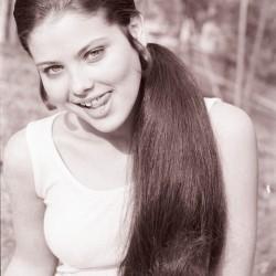 Орнелла Мути с длинными волосами