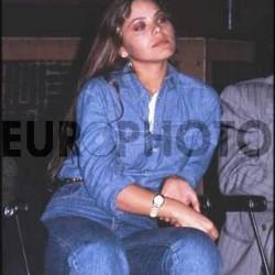 Орнелла Мути в джинсовом костюме 3
