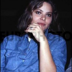 Орнелла Мути в джинсовом костюме 5