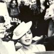 Черно-белое фото из фильма Безумно влюбленный